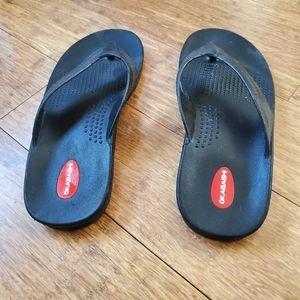 Okabashi Black Flip Flops, XL 11-12